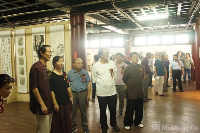 """""""墨韵襄阳""""当代中青年画家作品展在襄阳市博物馆开展"""
