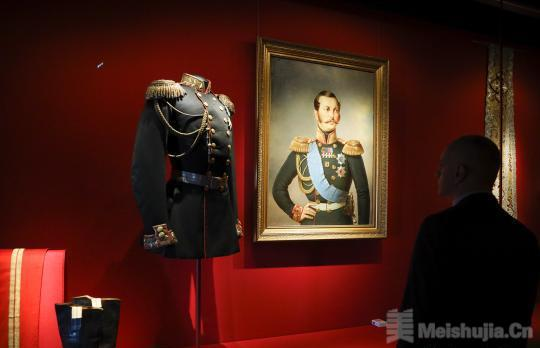 故宫展出151件(套)克里姆林宫艺术珍品