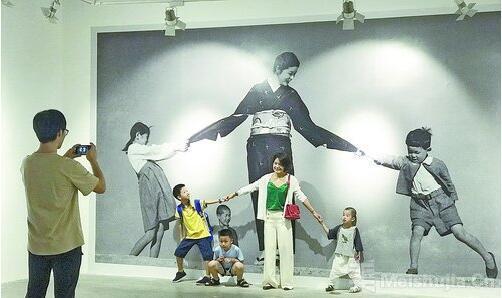 日本传奇摄影师植田正治作品在厦开展
