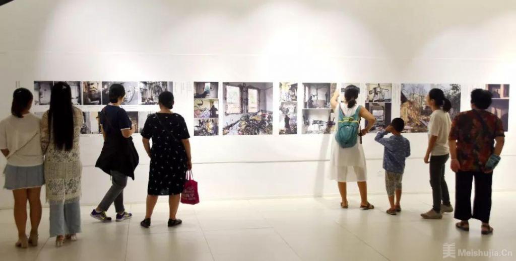杨重光作品展烟台美术博物馆开幕!