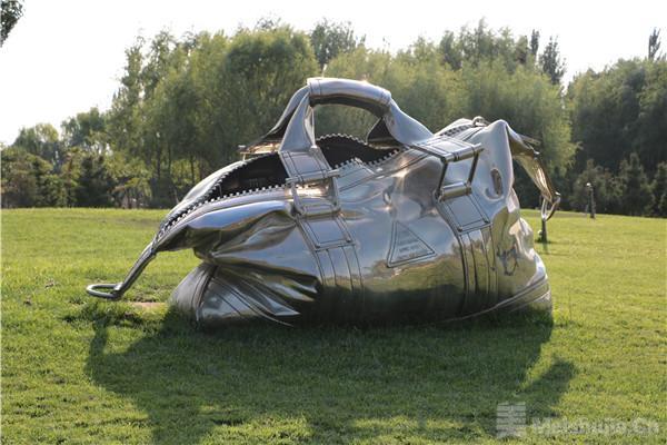 41件中阿雕塑作品为银川友谊雕塑园揭幕