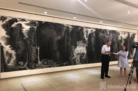 来支钢积墨山水画展台湾开幕