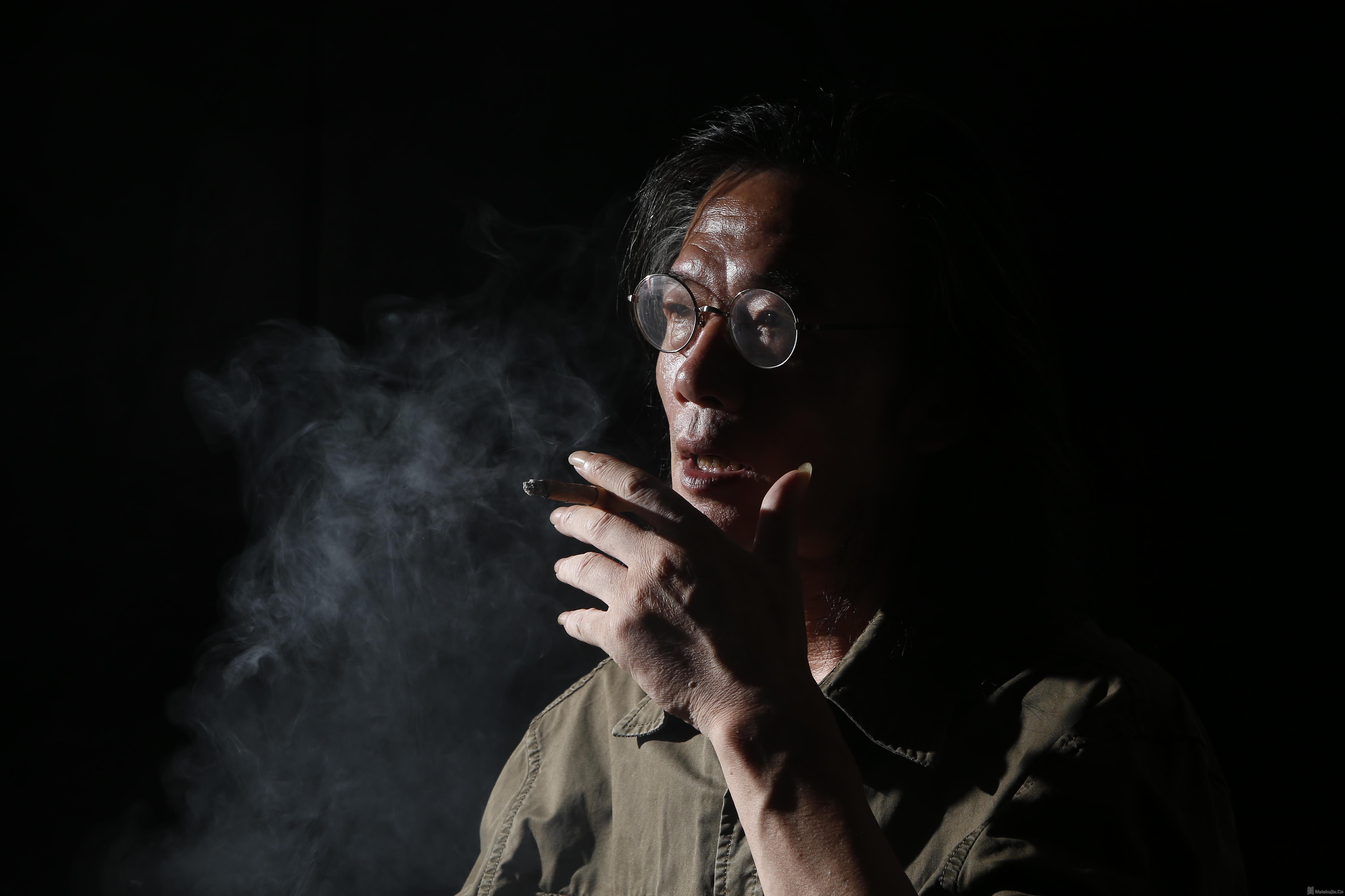 从传统到当代 ──关于陈世君和他的艺术  杨卫/文