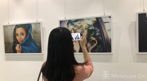 阿富汗摄影师法蒂玛·侯赛因个人摄影展在京开幕
