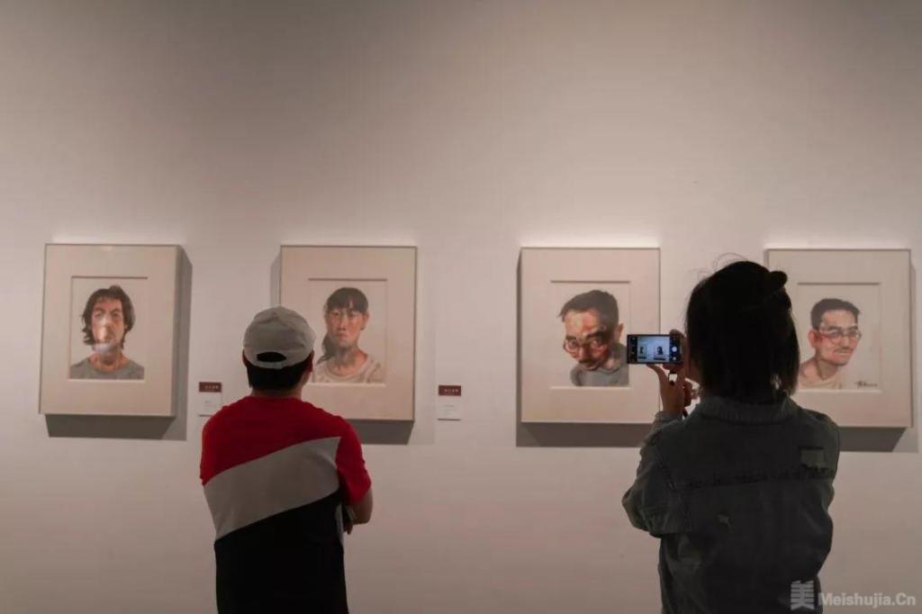 浮生若梦——陈流水彩画作品展在浙江美术馆开展
