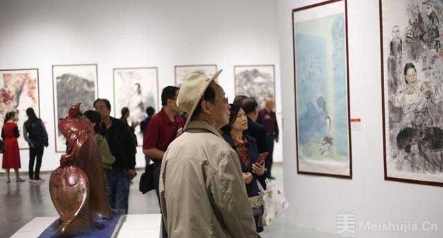 """西安市举办""""我和祖国共成长""""书法美术摄影作品展"""
