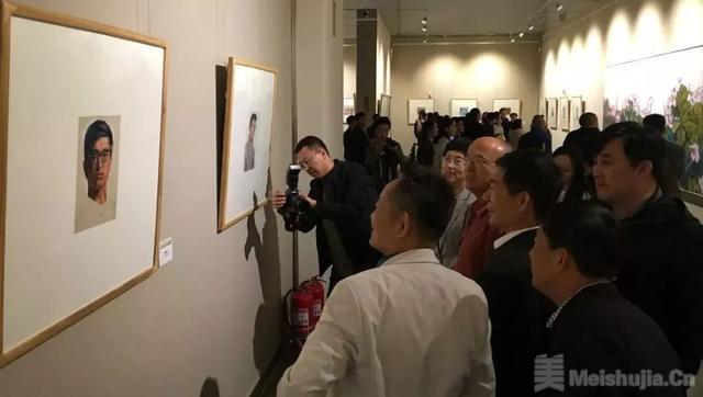"""回望·赵先闻写生与彩墨作品展""""在滨州市美术馆开幕"""