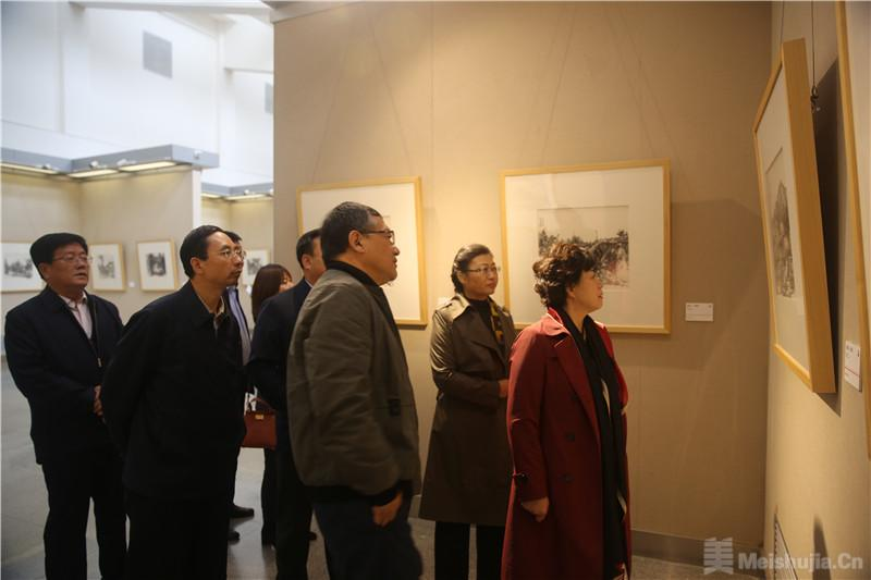 水墨心境——李伟中国画写生作品展在甘开幕