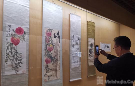 百幅齐白石书画原作潍坊展出 部分真迹首次公开亮相