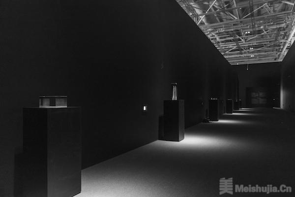 """普利兹克奖得主让·努维尔中国首展:3.5小时""""离经叛道"""""""