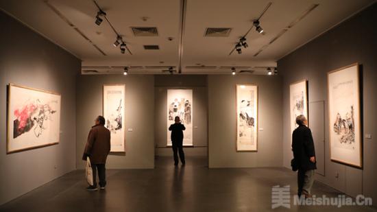 张青渠水墨展北京画院美术馆开幕