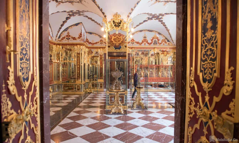 德国绿穹珍宝馆失窃 至少3件18世纪珠宝下落不明