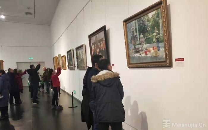 百余幅俄罗斯油画山西展出 促进中俄文化交流