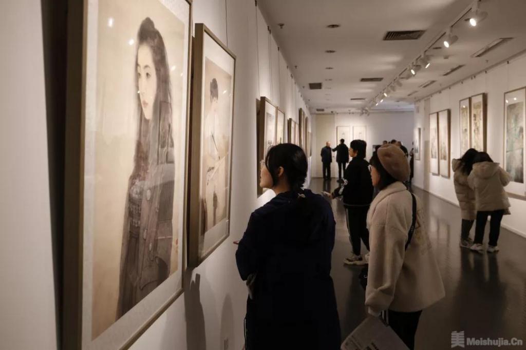 中国当代工笔画名家小幅精品展在天津开幕
