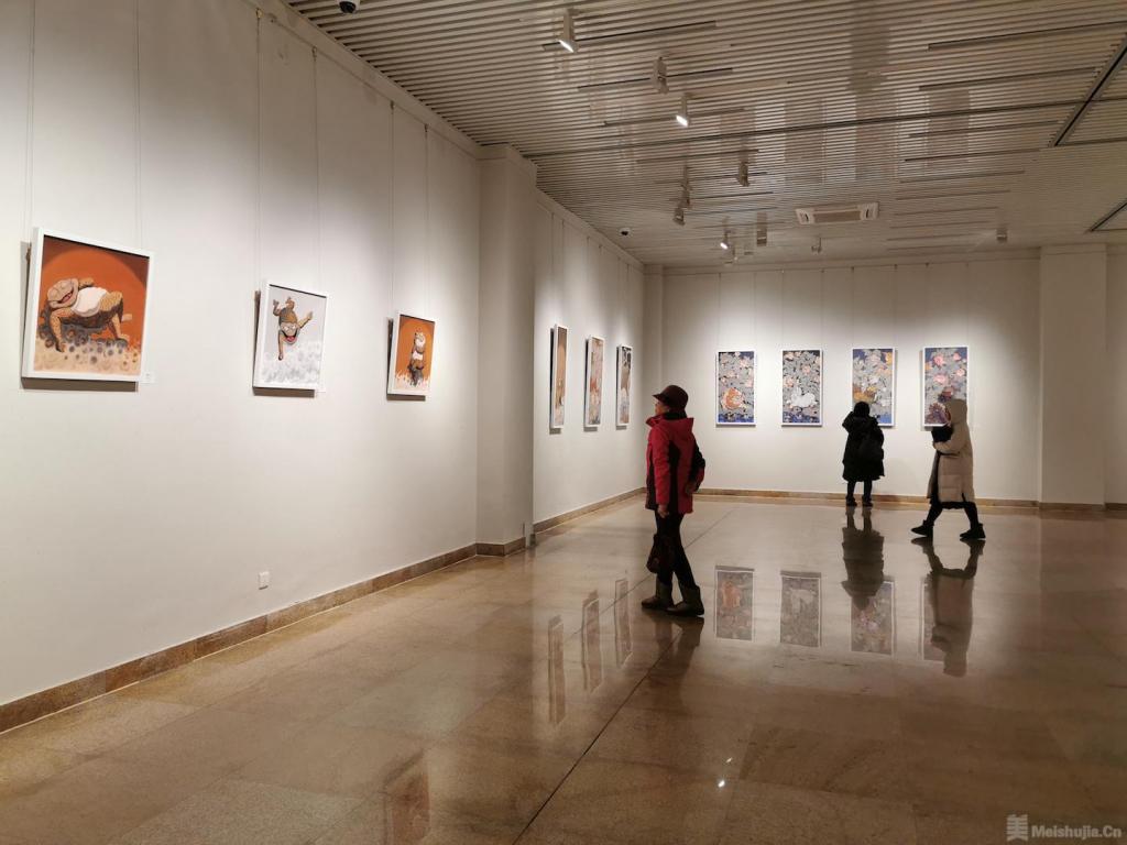 张绍华个人作品巡展在中央民族大学开幕