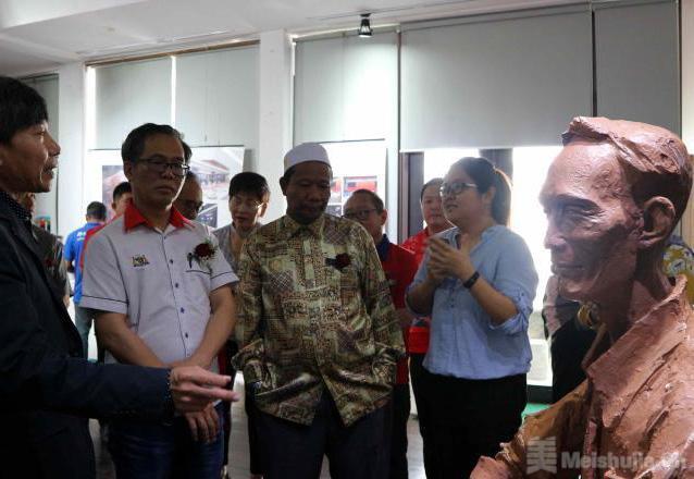 中国艺术家马六甲办展 以作品勾勒马来西亚风情