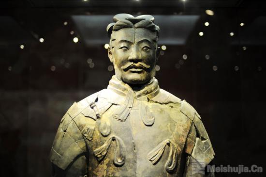 秦始皇帝陵博物院完成一号坑18件陶俑提取拼对