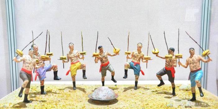青海民族民间艺术展在北京展出