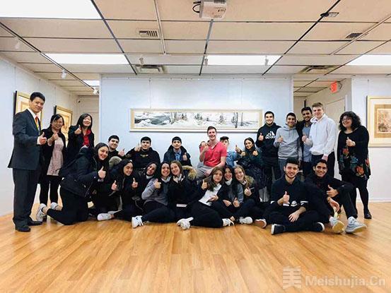 纽约卡罗·艺达沙龙迎来纽约高中生 体验中国绘画及茶道文化