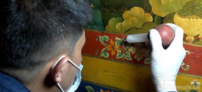 西藏罗布林卡系统壁画修复已完成60%