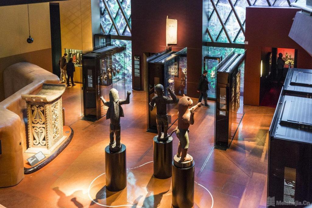 文物归还行动者在巴黎博物馆强夺非洲文物后被捕