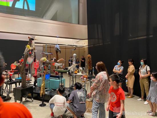 烟台山文化艺术展在福州万科仓前九里如期开幕