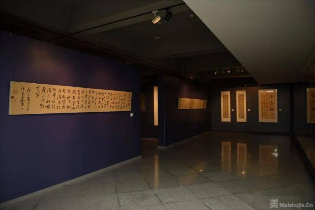 不忘初心•汪象华书法作品展在关山月美术馆开幕