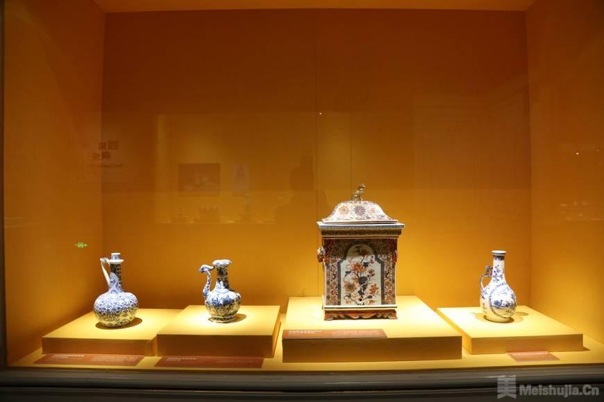 """17-18世纪的惊艳""""中国风""""!200余件/套馆藏陶瓷器亮相粤博"""