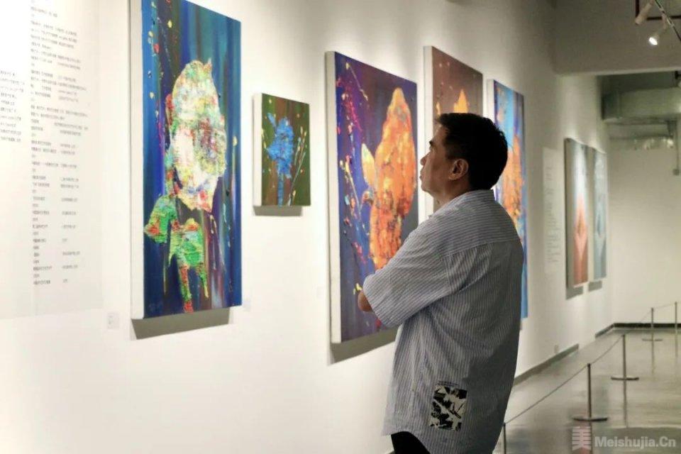 """""""热季风——广东当代油画学术研究展""""在华南美术馆举行"""
