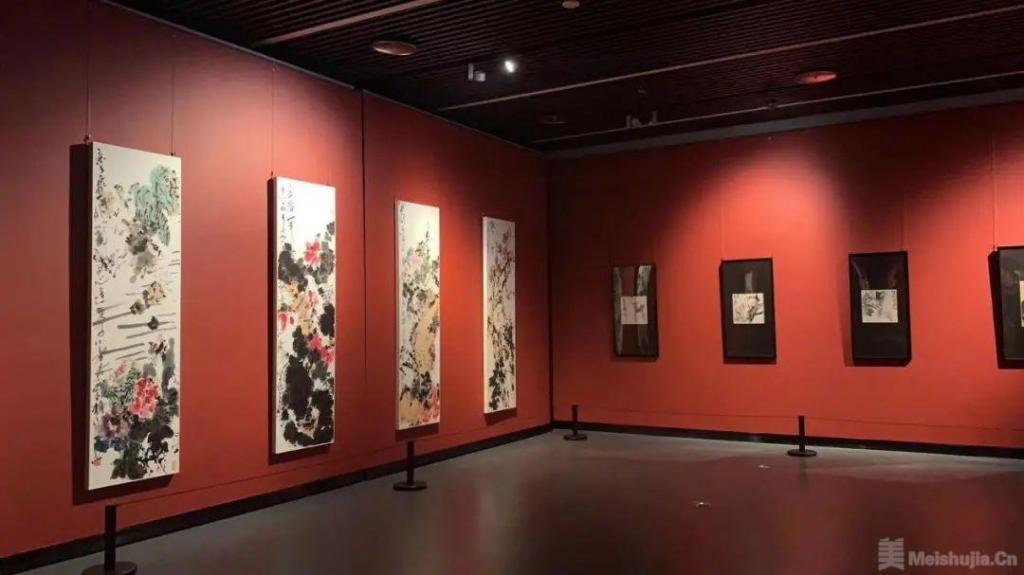 吴冠南从艺六十周年作品回顾展在宜兴美术馆开幕