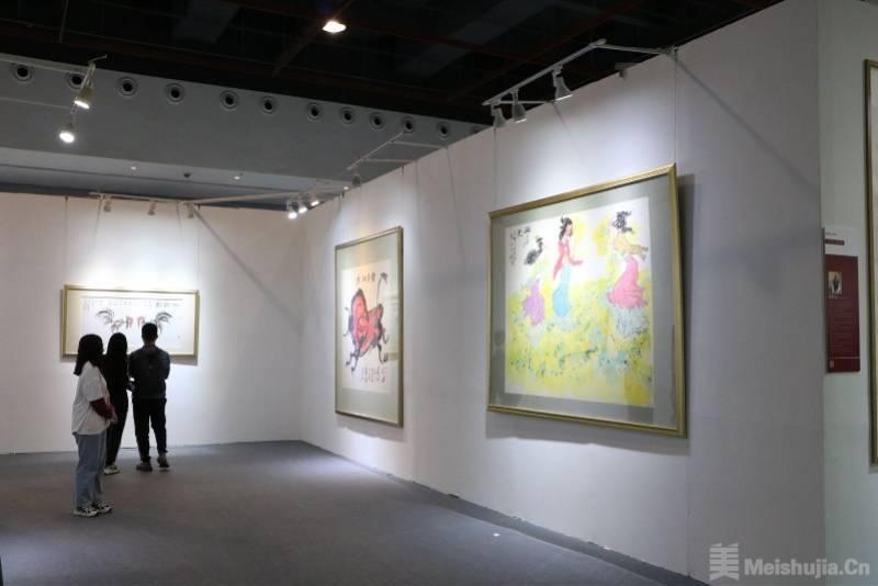 第25届秋季广州艺博会开幕,黄永玉周春芽等名家力作亮相