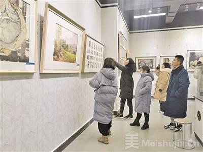 第九届云南省水彩·粉画·曲靖展在曲靖师范学院美术馆展出